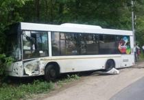 «Газель» врезалась в автобус в Химках, пятеро пострадали