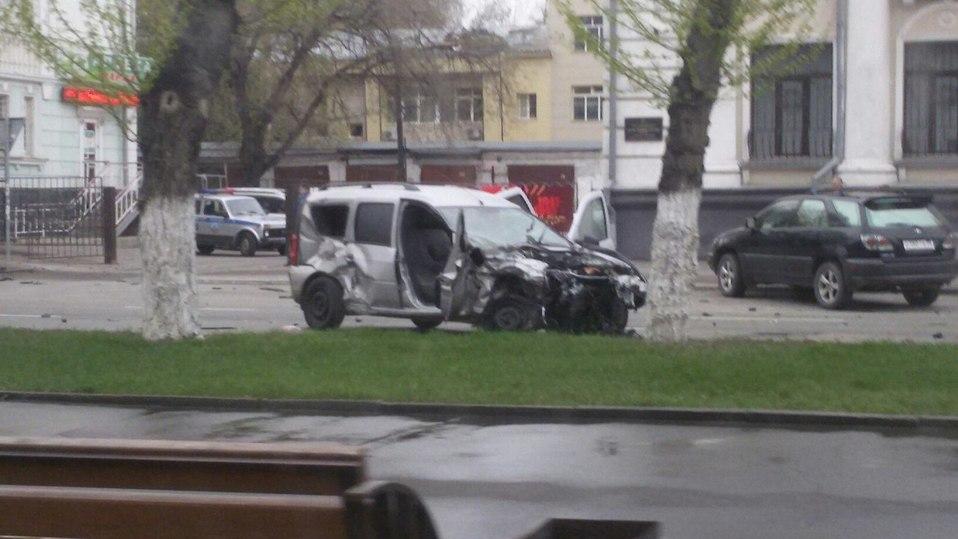 ВБарнауле нетрезвый шофёр БМВ насмерть сбил девушку на«зебре»