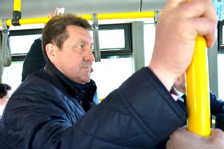 Руководитель администрации Барнаула проехал наобщественном транспорте