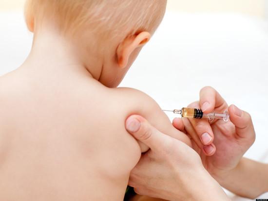 Минздрав придумал, как побудить родителей вакцинировать детей