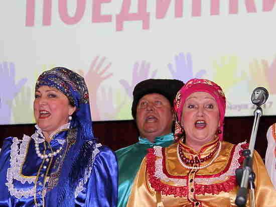 Алтайские пенсионеры сразились в «Поединке хоров»