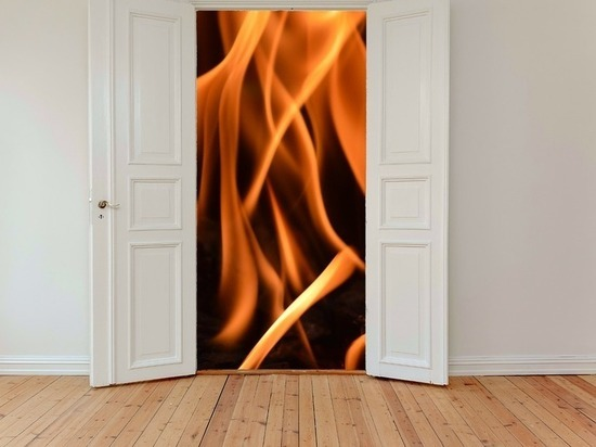 Пенсионер пострадал впожаре вмногоквартирном доме Барнаула